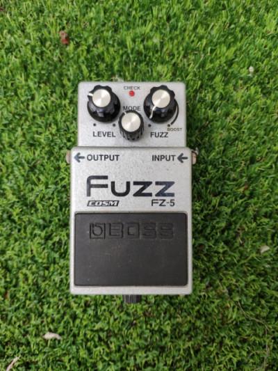 Fuzz boss fz-5 en perfecto estado