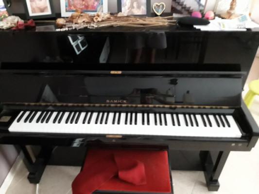 Piano Samick en perfecto estado.