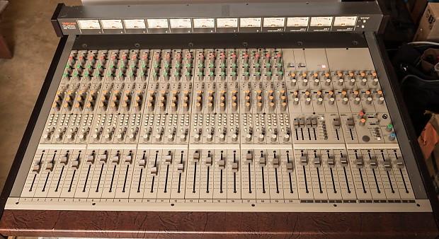Mesa mezclas Tascam M520