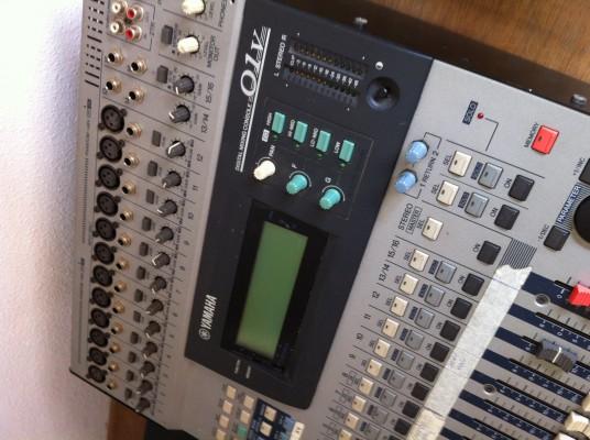 Yamaha 01V + expansión ADAT