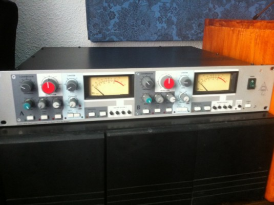 Compresor limitador dual amek 9098(neve design)