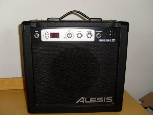 Vendo o cambio amplificador ALESIS SPITFIRE 15