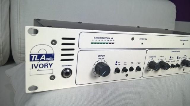 Cahnnel strip a válvulas TL Audio Ivory 2 5050