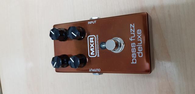 Pedal MXR M84 Bass Fuzz Deluxe