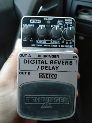 Vendo Behringer Delay Reverb