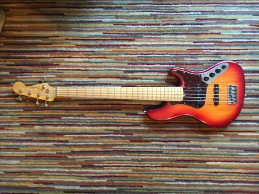 Fender Jazz Bass 5 cuerdas Deluxe activo, precioso y sonidaco