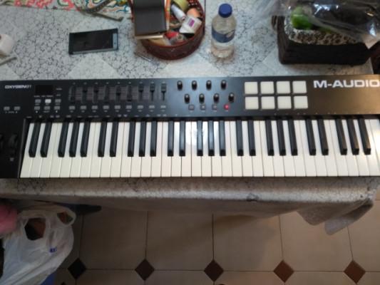 Teclado MIDI m-audio oxygen 61 mk4