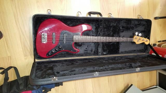 Bajo Fender Jazzbass American de luxe NO CAMBIO SOLO VENTA