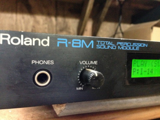 ROLAND R8M con 3 ROMs