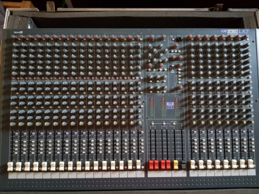 Soundcraft LX 7 ll 24 canales