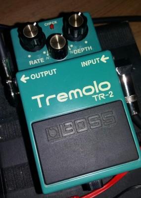 Trémolo Boss Tr2 por pedal