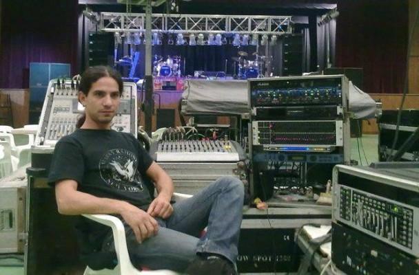 Se ofrece Técnico de sonido para orquesta, banda de rock o teatro