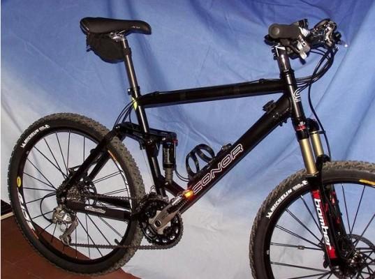Mountain bike conor black