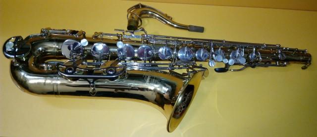 Saxofón Tenor Buescher Aristocrat 200 U.S.A.