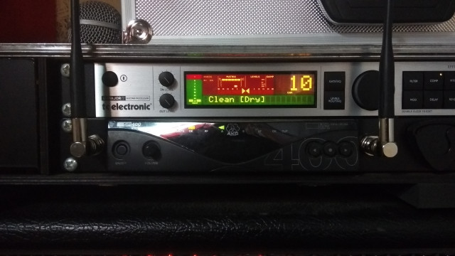 Inalámbrico AKG SR400 (gama alta) + extras
