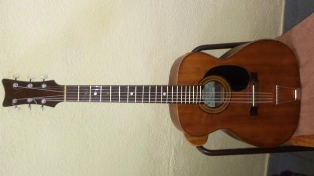 Guitarra acustica manouche