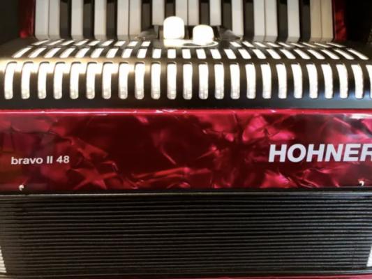 Acordeon Hohner Mod.Bravo II 48