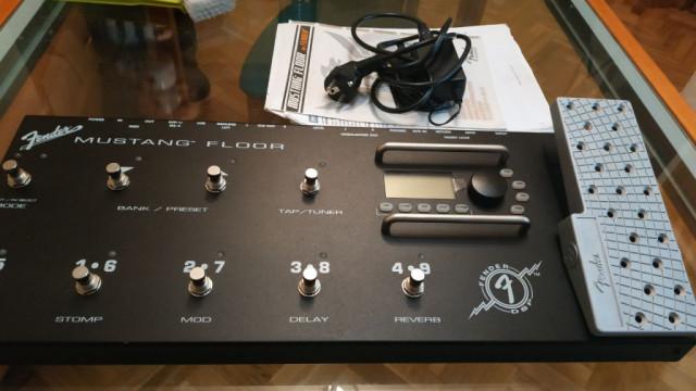 Fender mustang floor pedalera