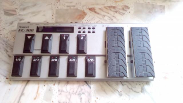 Pedalera controladora midi Roland FC 300