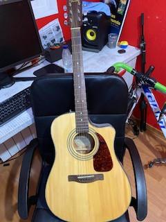 Fender CD140 CE NA Guitarra Electroacústica con estuche duro thomann