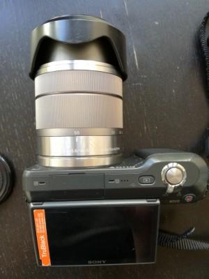 Cámara digital Sony Alpha NEX-3 (con lente adicional)