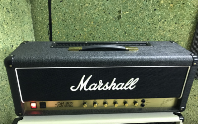 Marshall JCM 800 Reissue 2203 con Flightcase