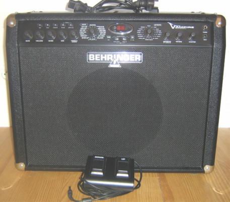 AMPLIFICADOR COMBO (2x60W) BEHRINGER V-AMPIRE LX112