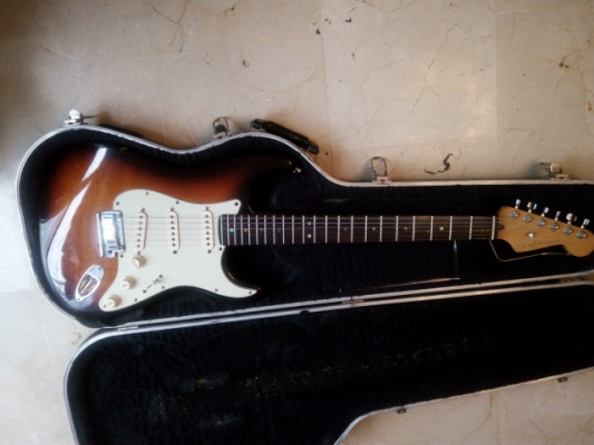 Fender Strato American Deluxe . 800 EUROS . REBAJA FINAL