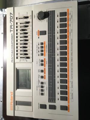 Caja de ritmos 707