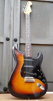 Squier, Stratocaster japonesa, Silver Series, 1.993, ver videos !