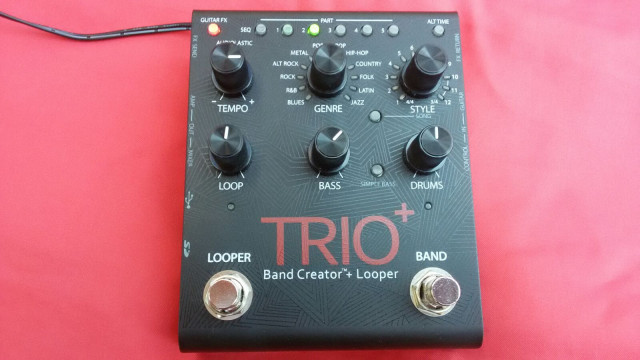 DIGITECH TRIO + BAND CREATOR LOOPER