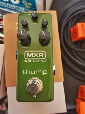 MXR Thump bass EQ