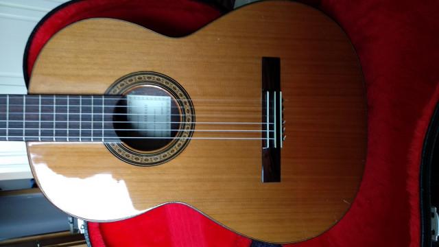 vENDO O CAMBIO Guitarra clásica Paulino Bernabé