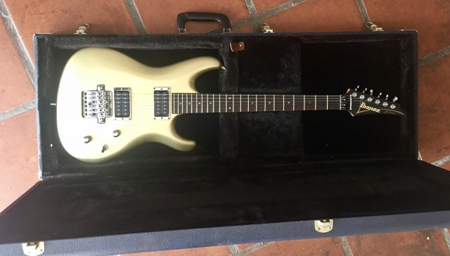 Ibanez JS2000 Joe Satriani hardtail, Cambio