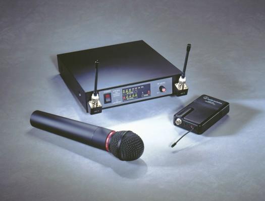 Microfóno Inalambrico Audio Technica más Receptor series 1400/Cambio por Novation Zero pago diferencia