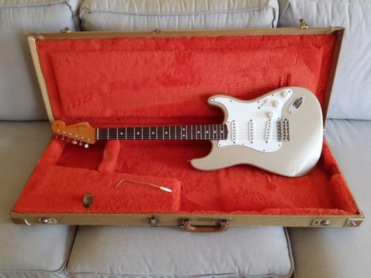 Fender Stratocaster American Vintage Reissue 62 Shoreline Gold (AVRI 62)