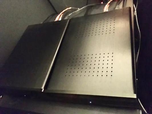 2 x Amplificadores Hypex Ncore 400 clase D (para uso mastering)
