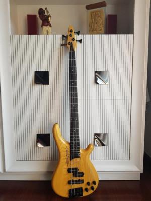 Bajo Tune Bass Maniac TB-02 PJ/B con Piezoeléctrico made in Japan NT muy ligero