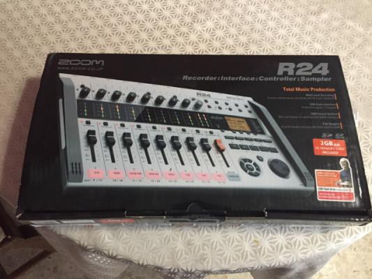 (Reservado)Vendo ZOOM R24 totalmente nuevo!!