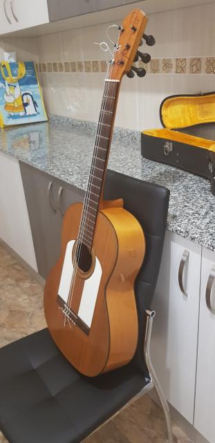 Guitarra flamenca de concierto antigüa