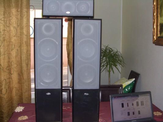 Dos columnas de altavoces ELTAX para home cinema o cadena de musica
