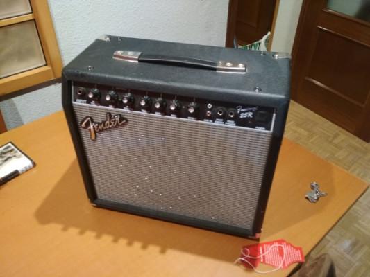 Amplificador Fender 25 r