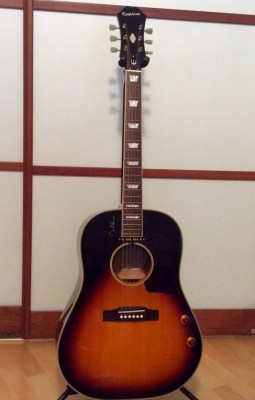 Acústica Epiphone John Lennon