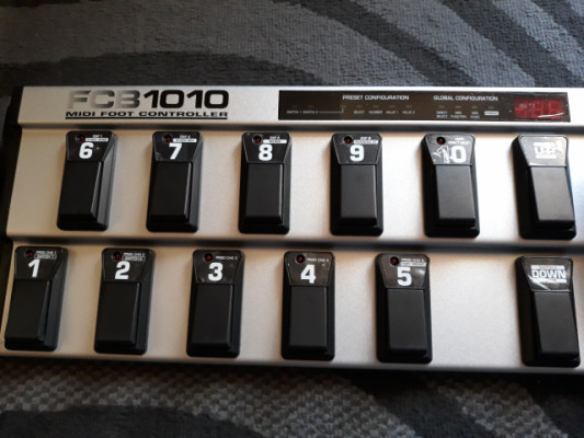 Controladora MIDI FCB1010