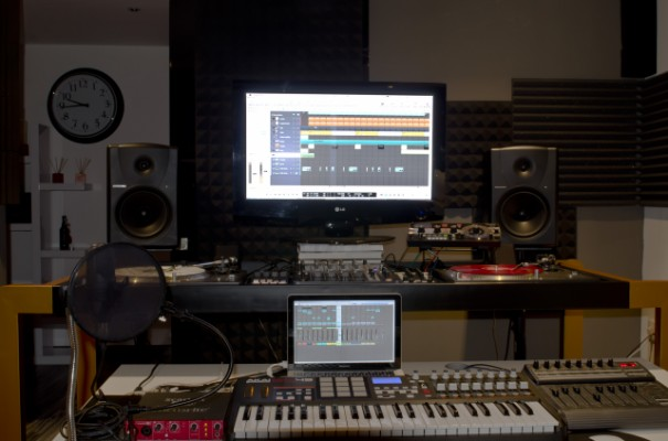 Mesa de acero para equipo de DJ profesional