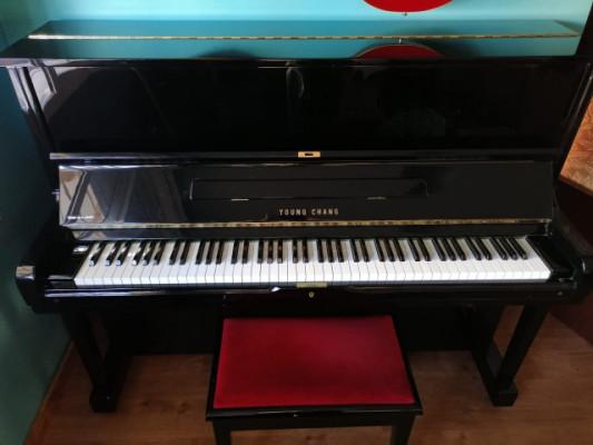 Piano Young Chang U-121