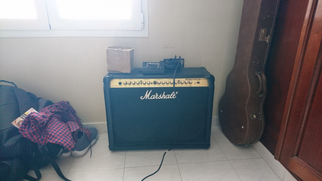 marshall vs102 100w ingles con footswitch