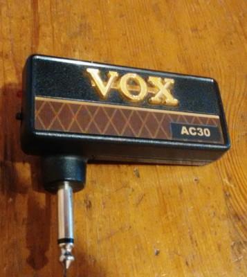 Amplificador compacto para auriculares
