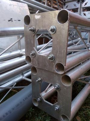 Cuadrilátero de 8x9 con truss cuadrado de 25x25