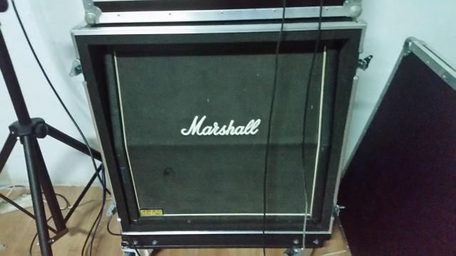 pantalla Marshall JCM800 lead 1960 + fligth case